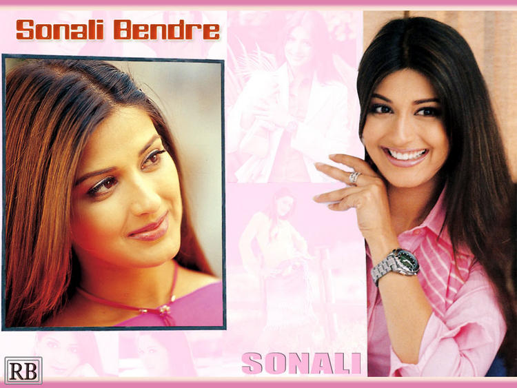 Sonali Bendre Smiling Wallpaper
