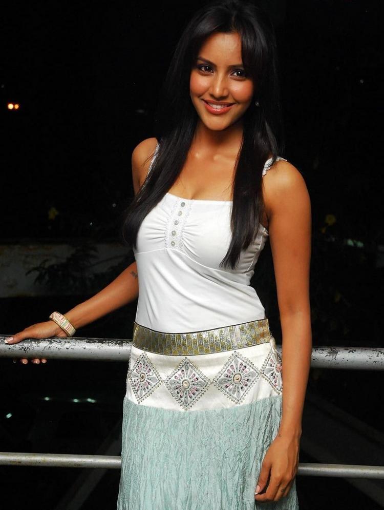 Priya Anand Cute Pics