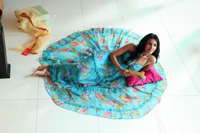 Priya Anand Dancing PIcs