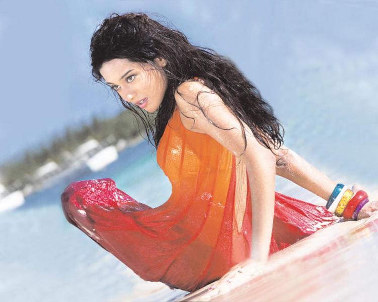 Amrita Rao Latest Sexiest Photo Shoot