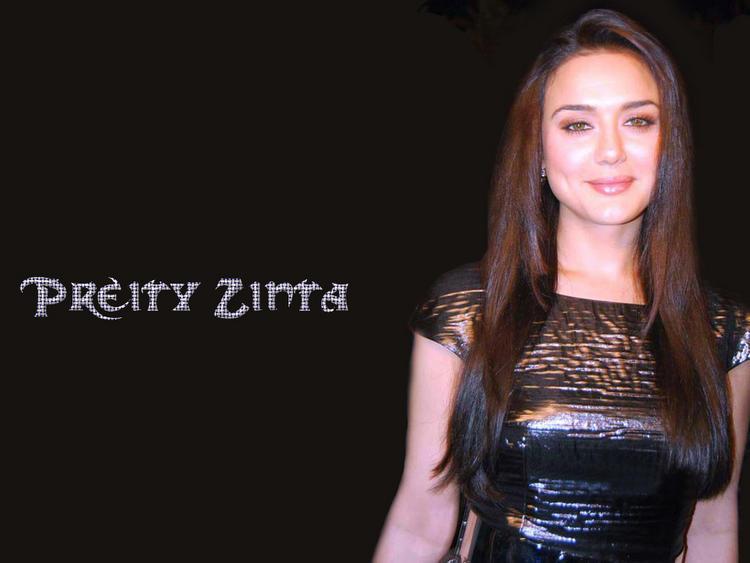 Gorgeous Bollywood Diva Preity Zinta Wallpaper