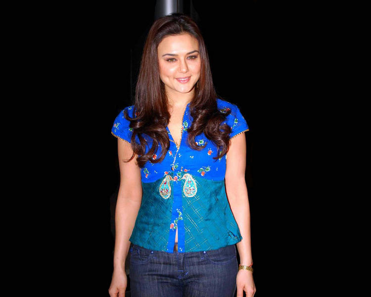 Preity Zinta Looks Hot In Light Blue Tops and Jeans