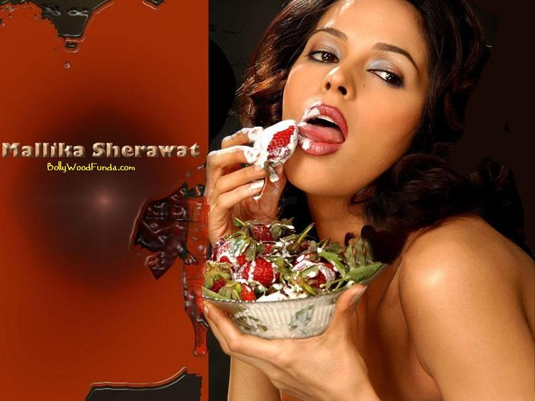 Mallika Sherawat YM Lips Pose Wallpaper