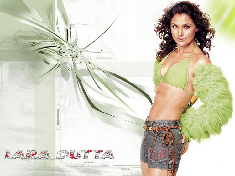 Lara Dutta Shocking Figure Show Wallpaper