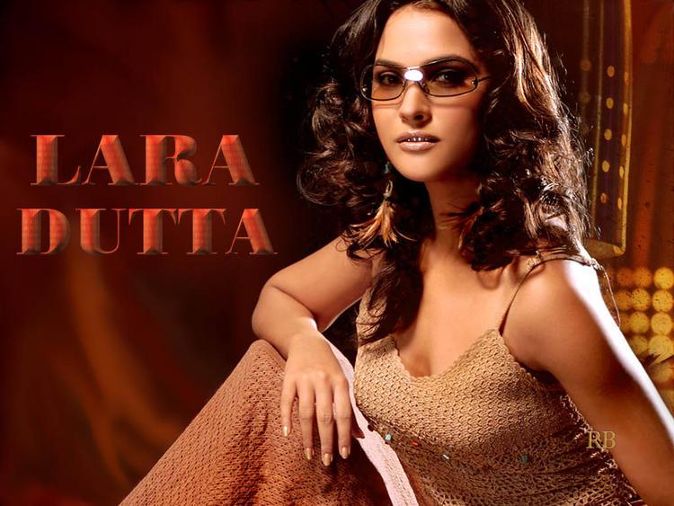 Lara Dutta Stylist Wallpaper Wearing Goggles