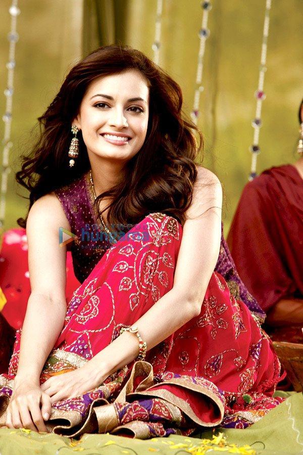 Love Breakups Zindagi Diya Mirza Beauty Still