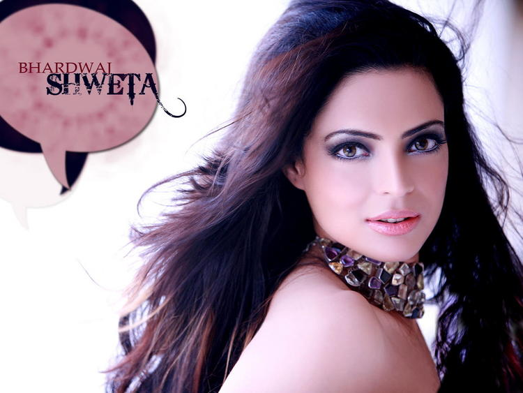 Shweta Bhardwaj Beautiful Eyes Look Wallpaper