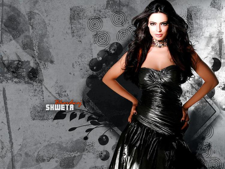 Shweta Bhardwaj Hot Gorgeous Wallpaper In Black Dress