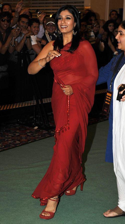 Raveena Tondon Beauty Still Red Saree