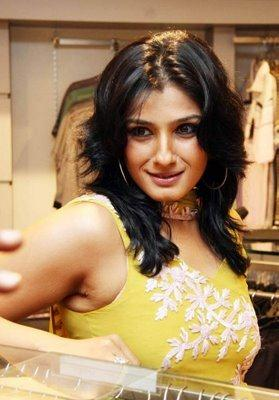 Raveena Tondon Cute Face Still