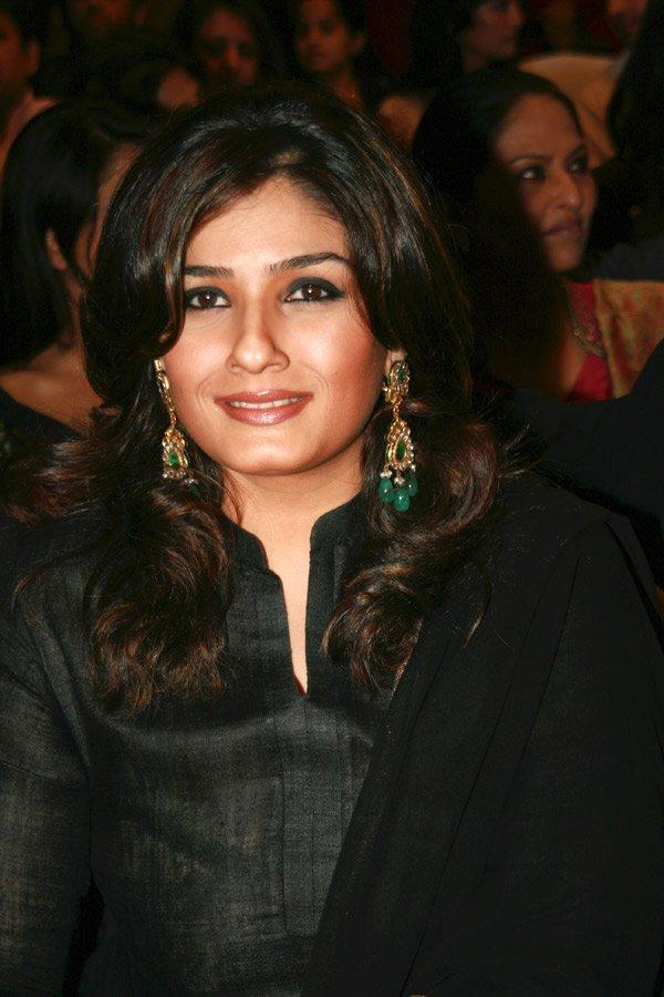 Raveena Tondon Glam Face Sweet Still