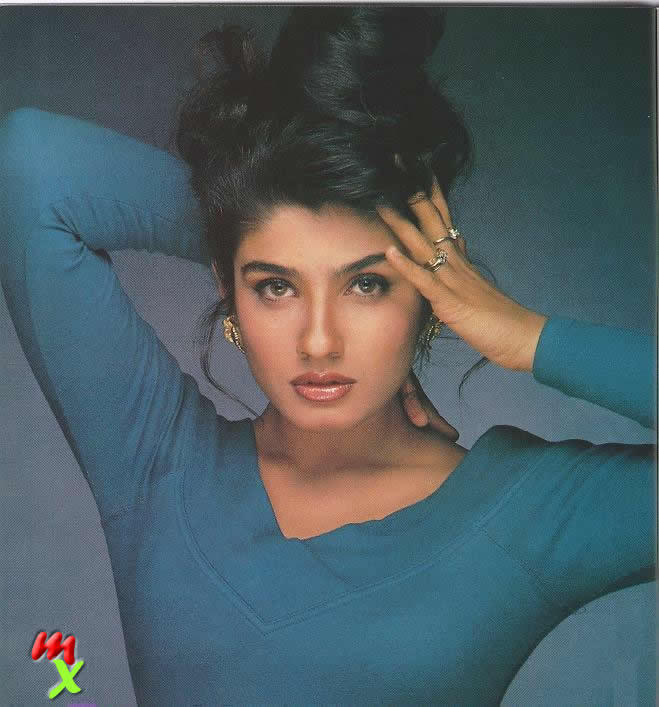 Raveena Tondon Sexiest Face Look Wallpaper