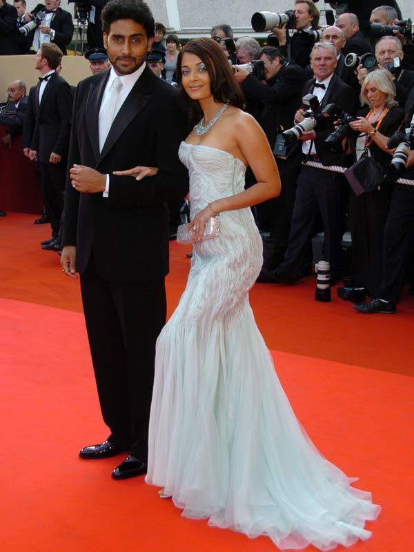 Abhishek and Aishwarya Amazing Gown Still On Red Carpet