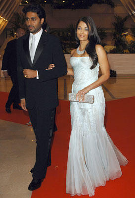 Abhishek and Aishwarya Beautiful Gown Still