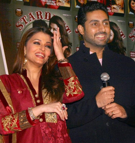 Abhishek and Aishwarya Gorgeous Smile Pic