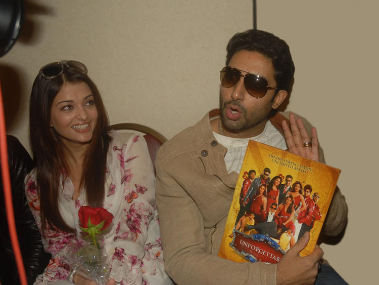 Aishwarya Rai and Abhishek Bachchan Cute Still