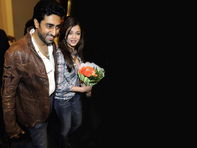 Aishwarya Rai and Abhishek Bachchan Latest Still