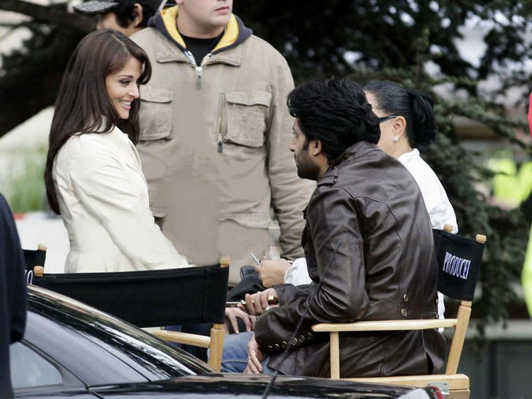 Aishwarya Rai Sweet Still with Abhishek Bachchan