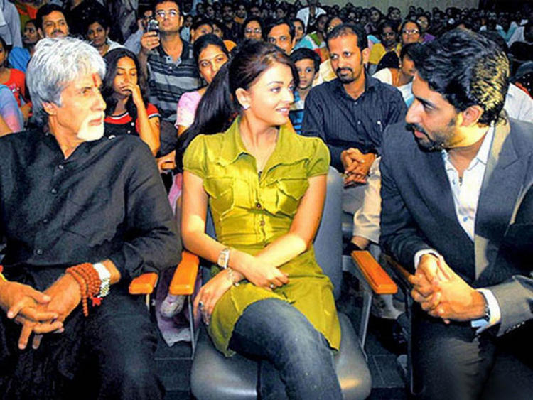 Amitabh,Abhishek and Aishwarya Get Into Discussion