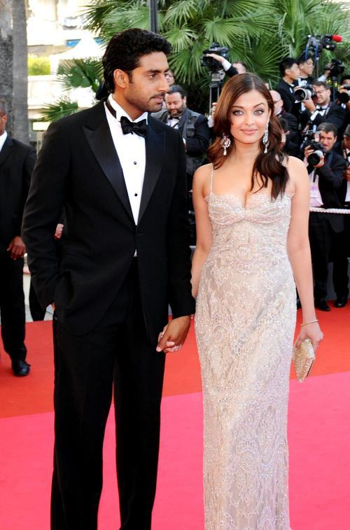 Beautiful Couple Abhishek and Aishwarya On Red Carpet