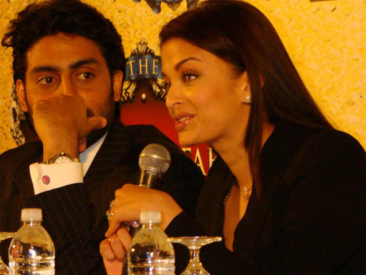 Hot Couple Aishwarya Rai and Abhishek Bachchan Images