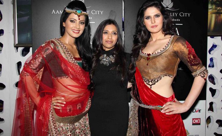 Zarine Khan and Tulip Joshi Poses at India Bridal Week