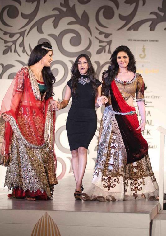 Zarine Khan and Tulip Joshi Walks at India Bridal Week