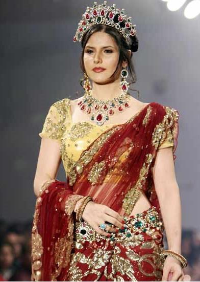 Zarine Khan Looking Very Beautiful