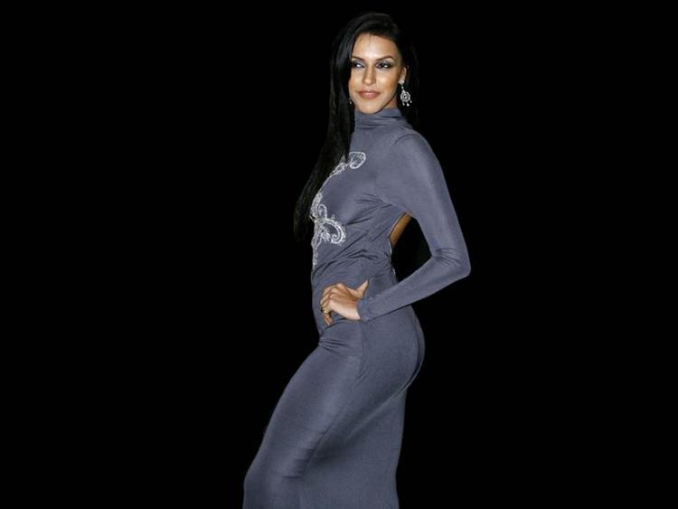 Neha Dhupia Latest Glamour Wallpaper
