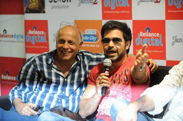 Emraan Hashmi,Mahesh Bhatt Promotes Jannat 2 in Ahmedabad