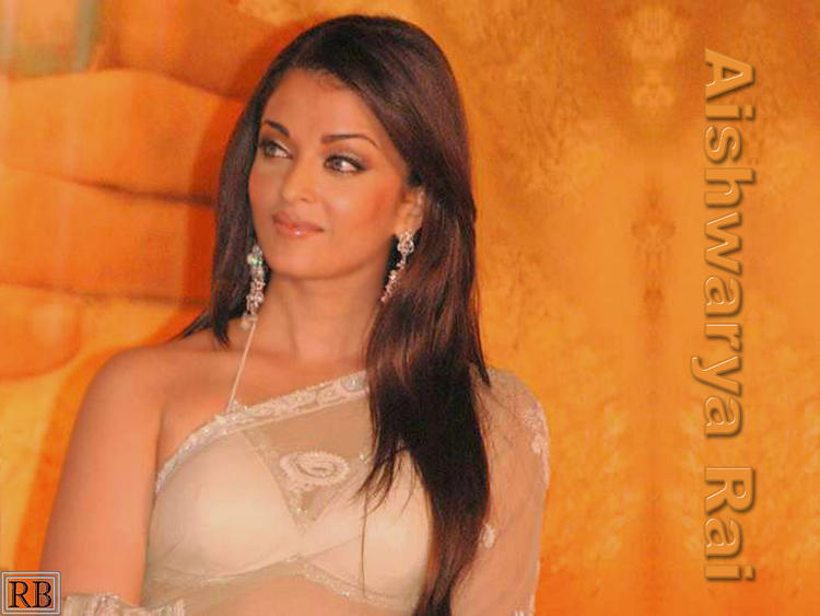Aishwarya Rai Wallpaper In Transparent Saree