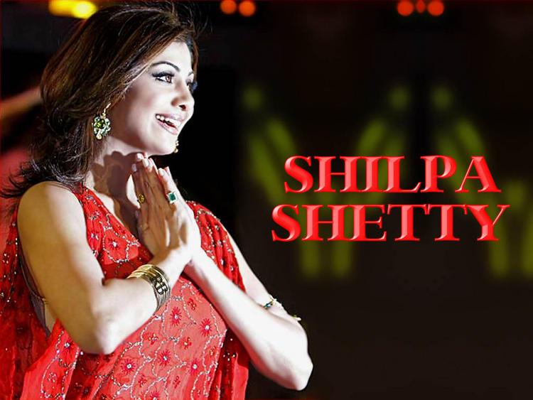 Shilpa Shetty Gorgeous Wallpaper In Red Dress