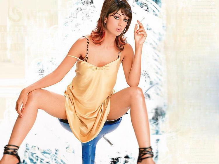 Shilpa Shetty Hot Modern Look Wallpaper