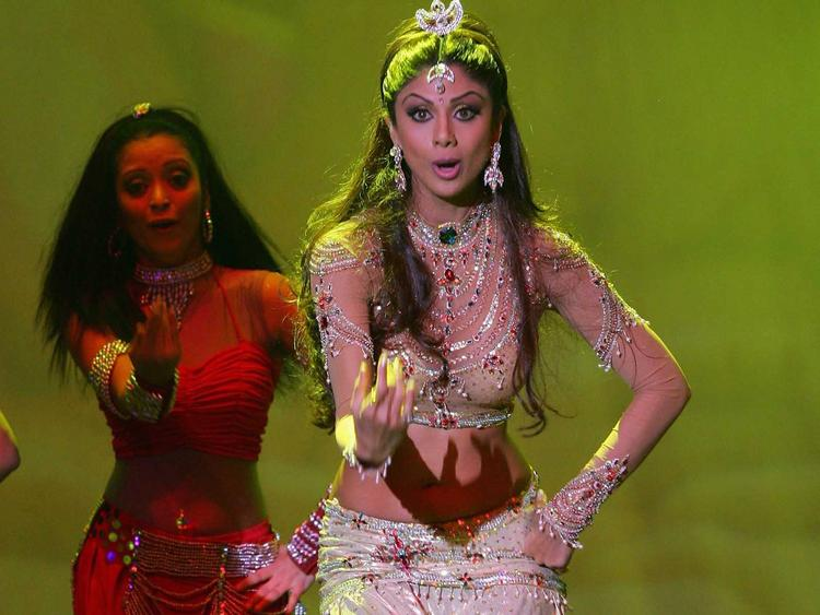 Shilpa Shetty Sexy Dancing Still