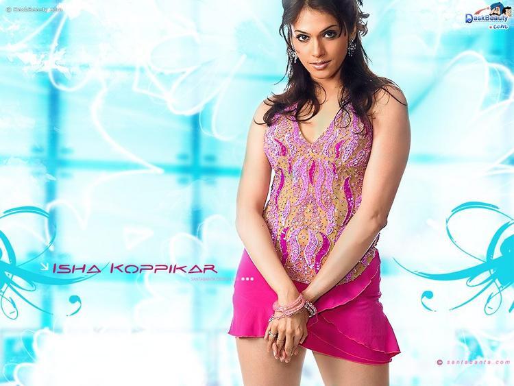Isha Koppikar In Mini Skirt Sexy Wallpaper
