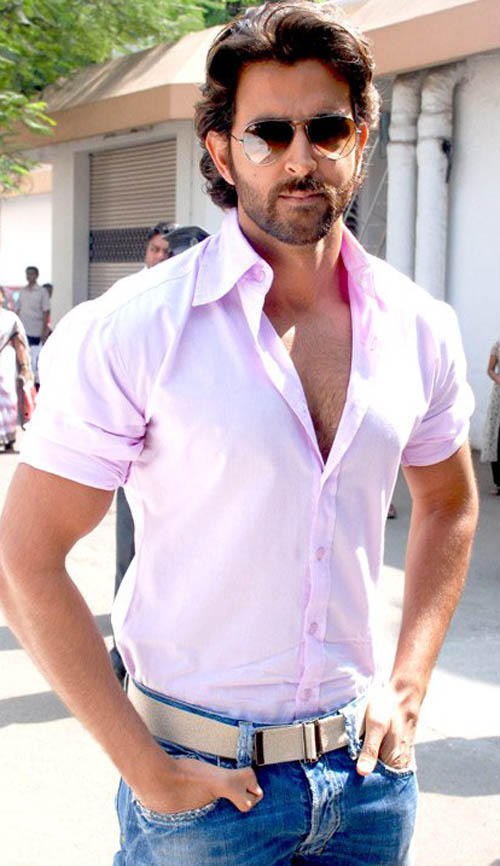 Hrithik Roshan Simple Look Wallpaper