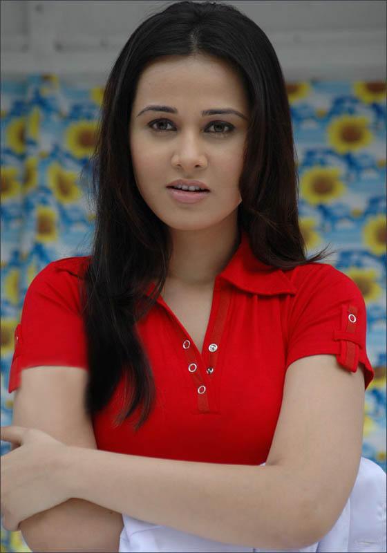 Nisha Kothari Beauty Cute Face Still