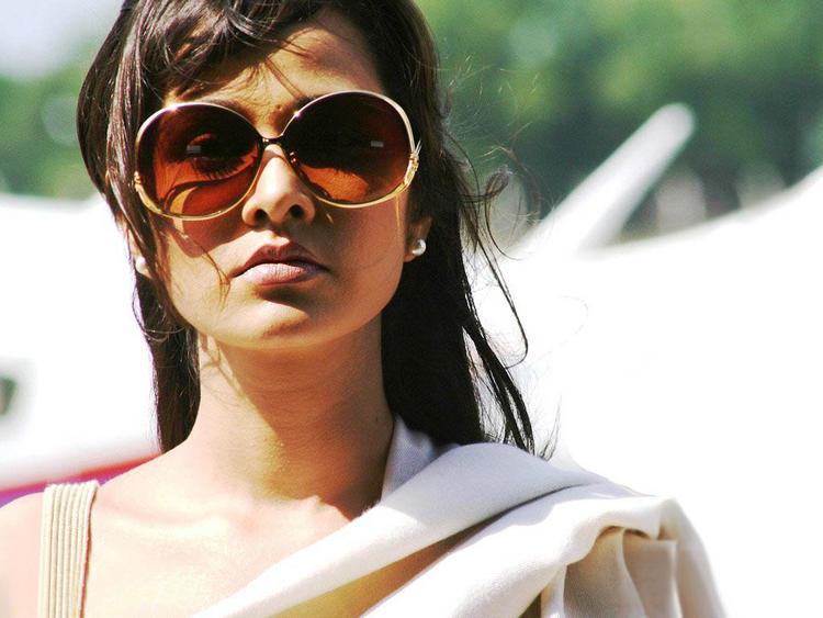 Nisha Kothari Stunning Pic Wearing Goggles