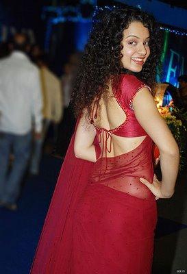 Kangana Ranaut Sexy Back Exposing In Red Saree