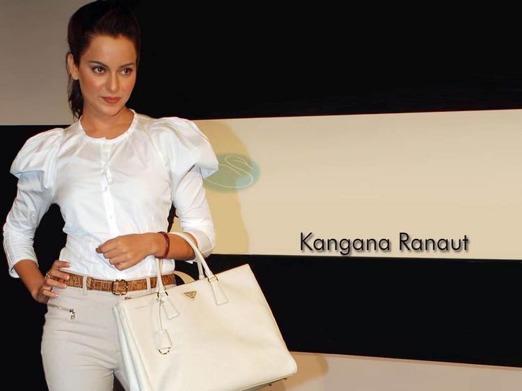 Kangana Ranaut Sexy Pose Wallpaper Pic