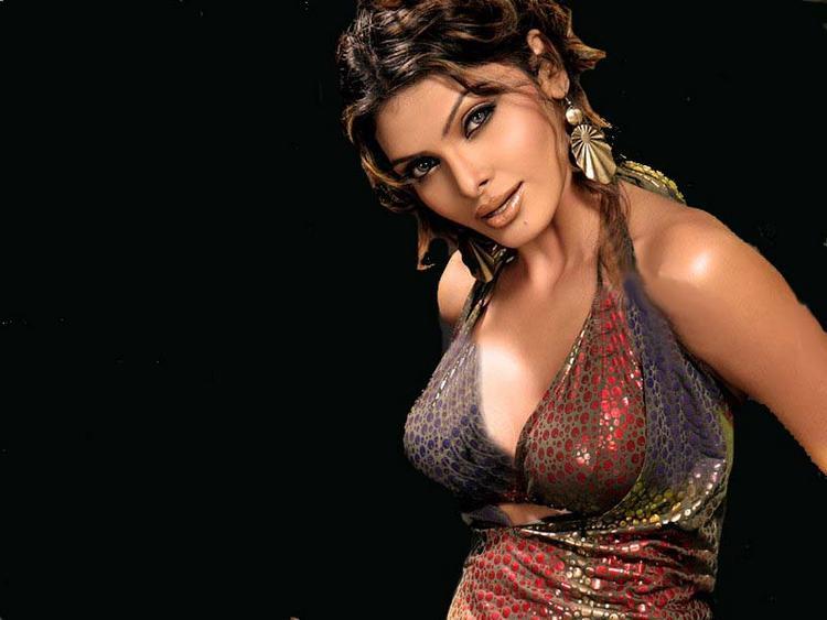 Mona Chopra Bold Look Wallpaper
