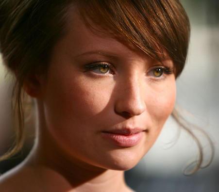 Emily Browning HD Face Still