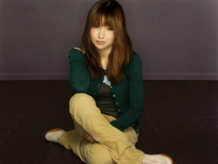 Emily Browning HD Photo
