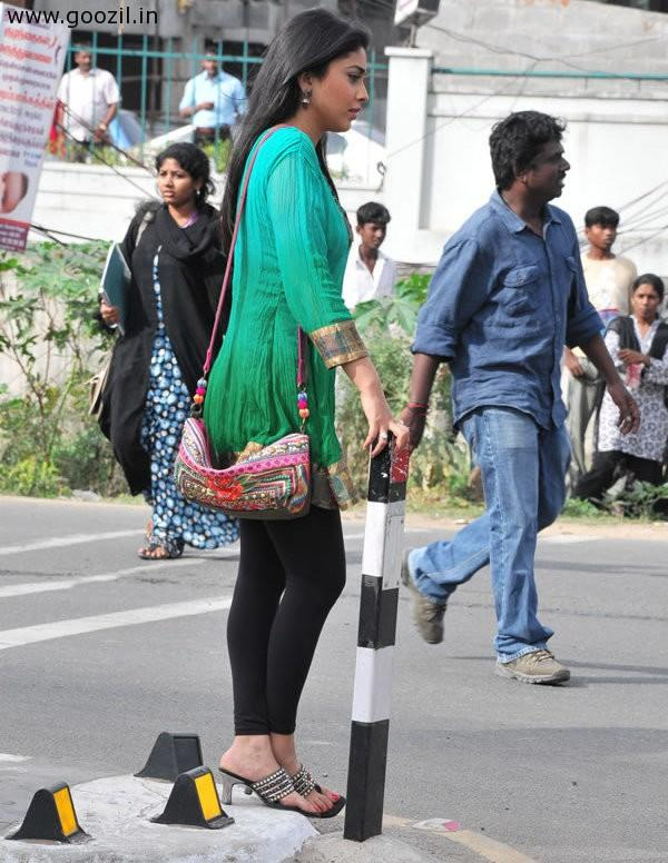 Shriya at Shooting Set