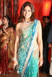Shamita Shetty Looking Gorgeous In Shilpas Reception