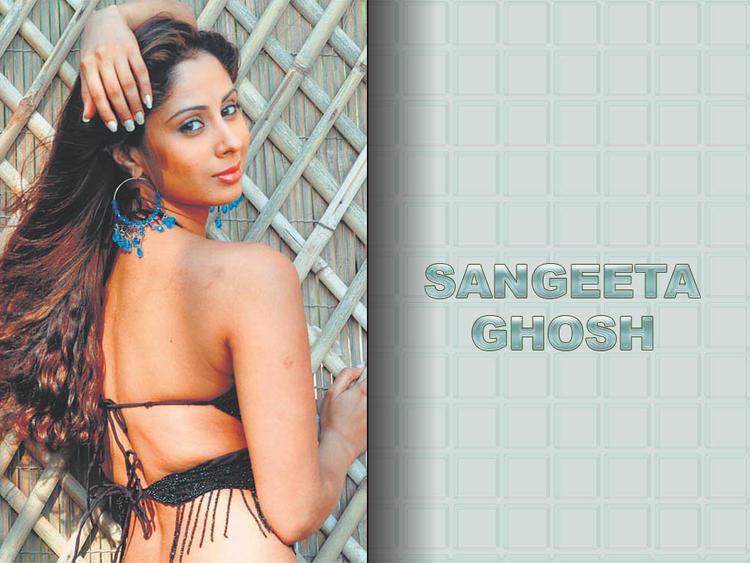 Sangeeta Ghosh Sexy Back Show Wallpaper