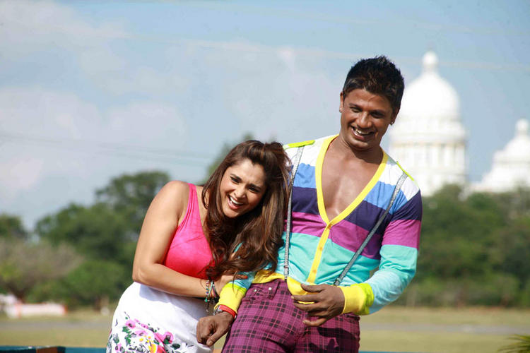 Ramya and Vijay Smiling Photo In Johny Mera Naam