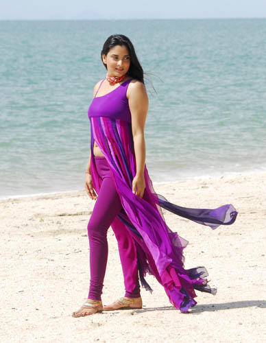 Ramya Latest Hot Stunning Pic On The Beach