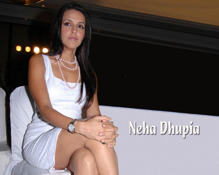 Glamour Neha Dhupia Nice Look Wallpaper