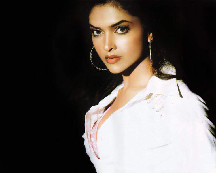 Deepika Padukone Awesome Beauty Face Look Still